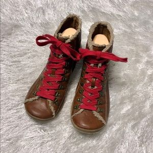 Big Buddha 9 BB Gust Brown Lace Up Booties